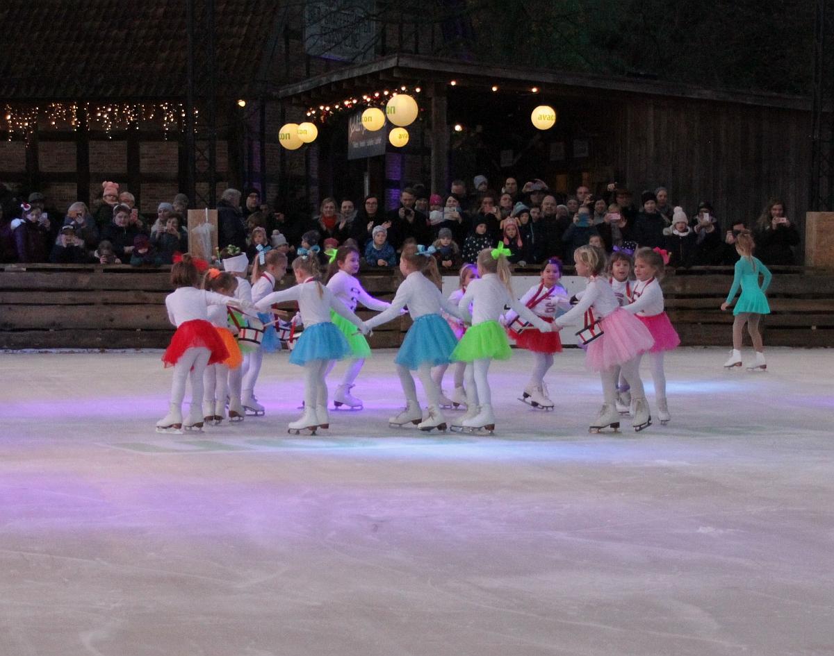 Zauberhafte Eislaufshow im Winter-Zoo - Erlebnis-Zoo Hannover